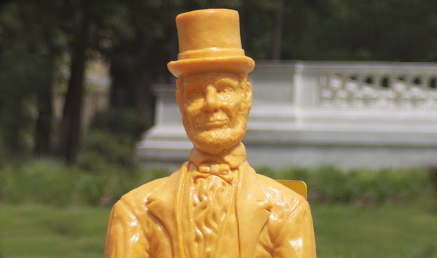 3 lincoln Cheese Sculptures
